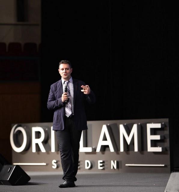 Константин Харченко выступает на президентских курсах Орифлэйм в Лиссабоне