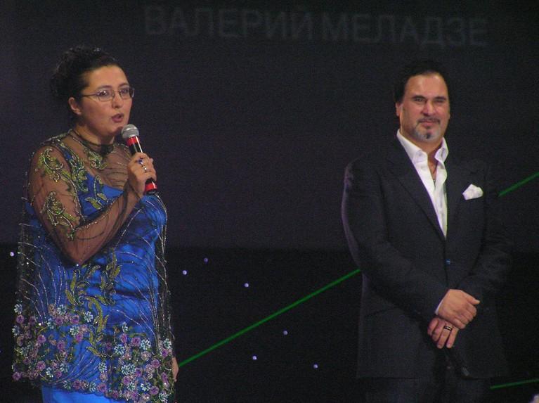 Валерий Меладзе поздравлет Анну Ахумьян и дарит песню