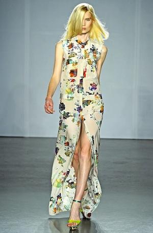 Модные показы мод платьев из шифона 2012