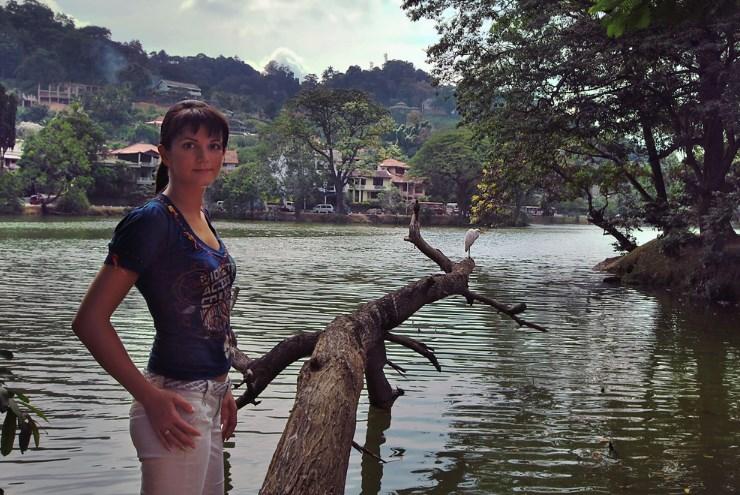 Katya u Ozera Kandy