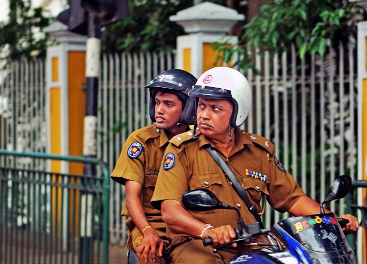 Pliceiskie v Kandy