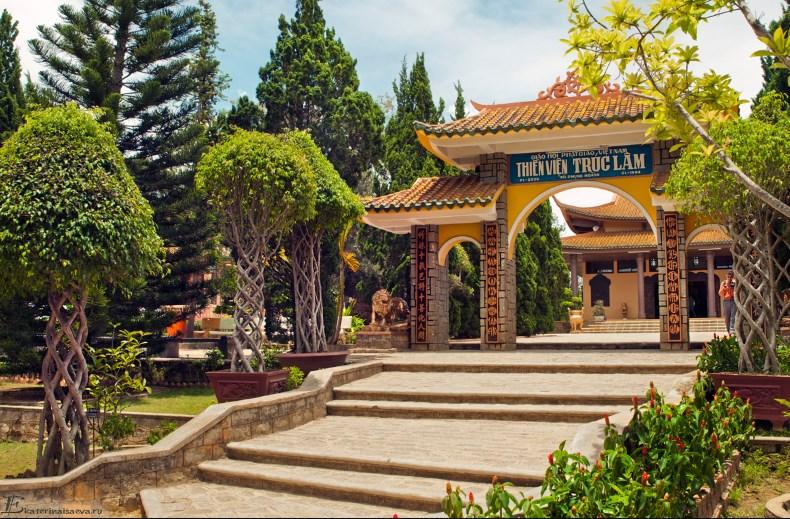 Храм Thien Vien Truc Lam